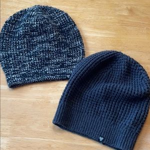 TNA Slouchy Knit Toques
